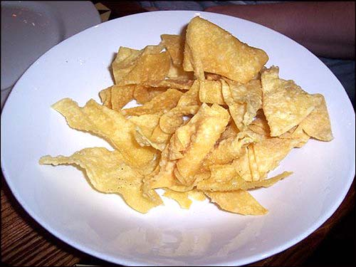 wonton chips with maebo s one ton chips fried wonton chips with wonton ...