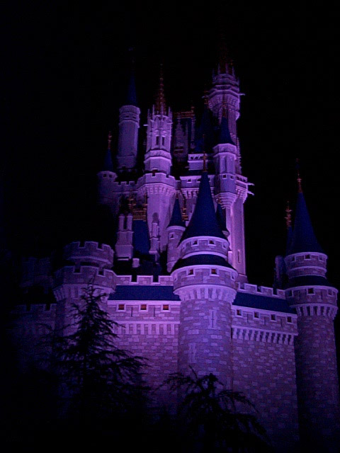 Cinderella Castle Wallpaper: Set your background for black and then make